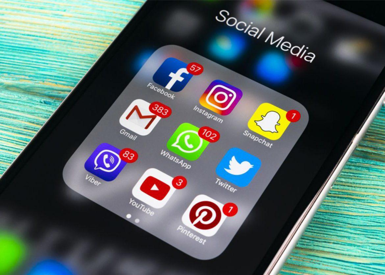 1 de cada 5 persones dedica més de 3 setmanes a l'any a les xarxes socials
